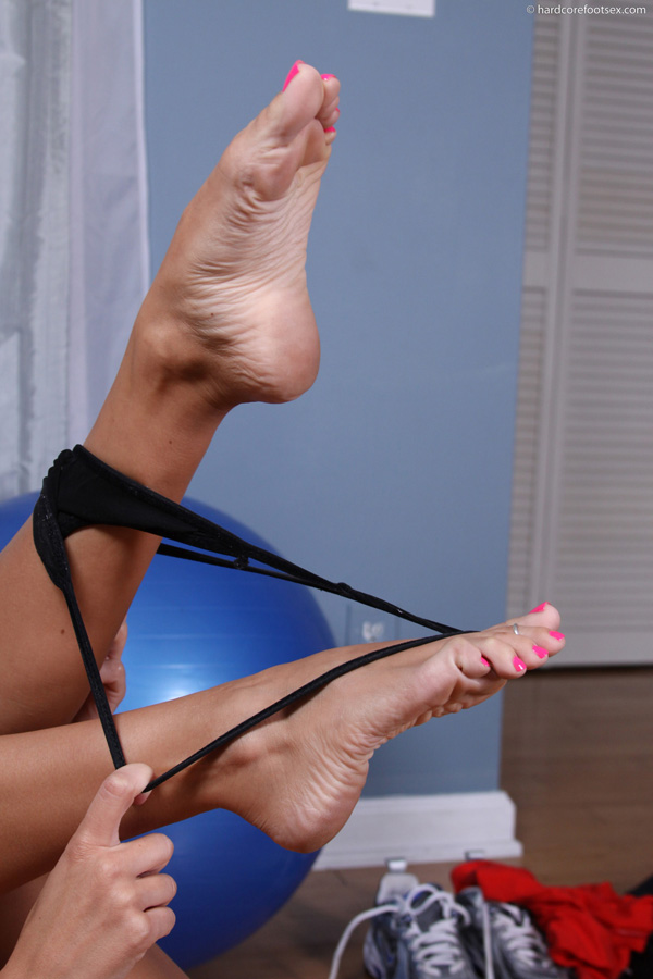 Stretching toe to the limit fetish